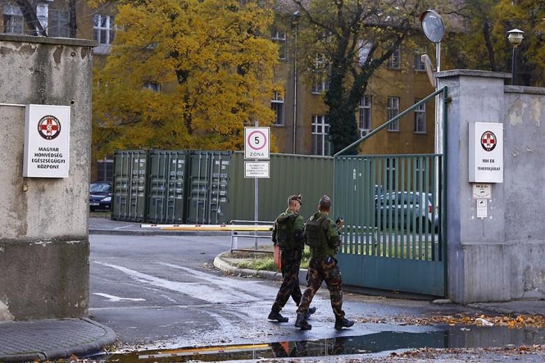 A szaktárca javaslata megkönnyítené a fegyveres erők alkalmazását a közterületeken – Fotó: Kurucz Árpád