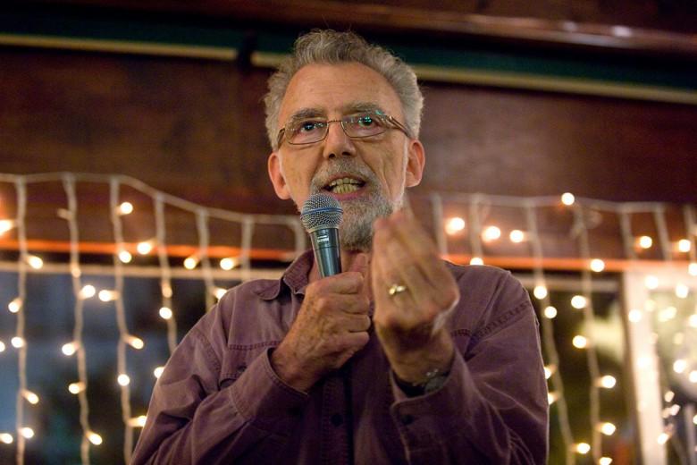 Feldmár András 2011-ben Élek vagy túlélek? címmel tartott előadást Budapesten. Kitiltották az Egyesült Államokból