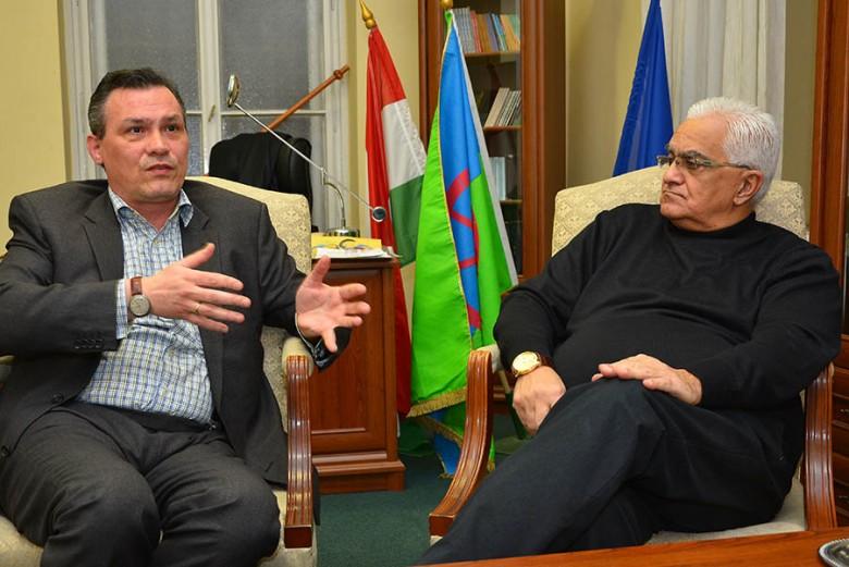 Purebl Balázs és Csóka János Pál politikai okokat sejt az intézmény elleni támadások mögött