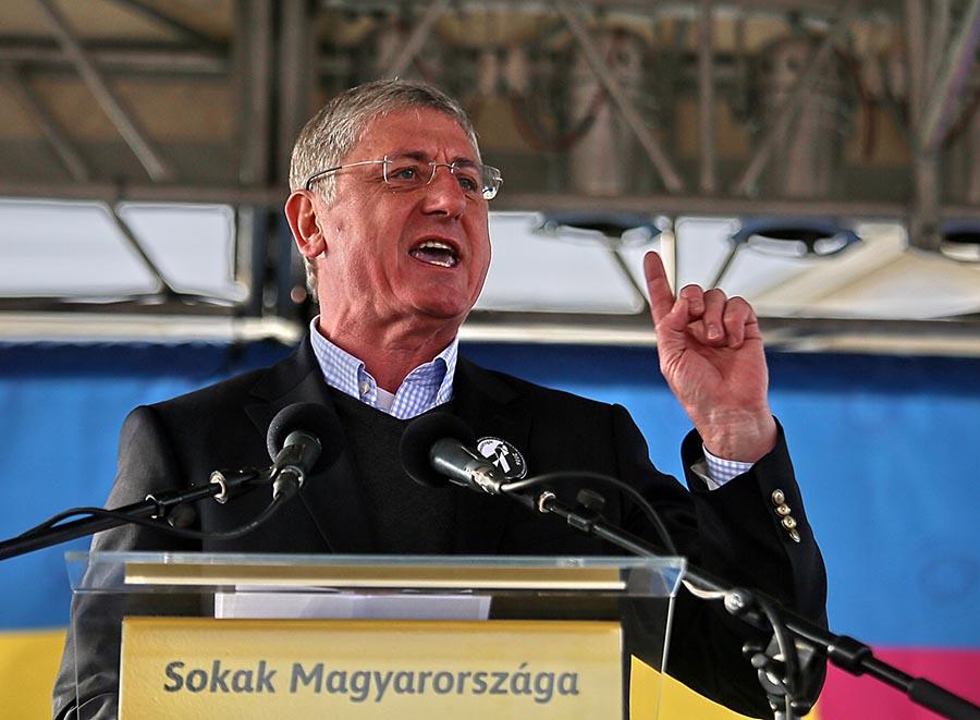 A Gyurcsány-párt körüli gyűlöletcsoportokról beszélt az LMP volt társelnöke