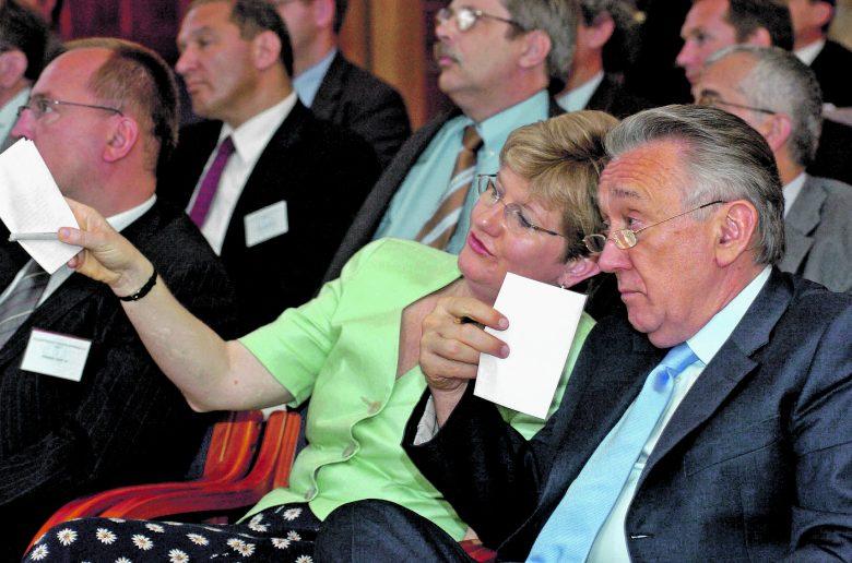 A két egykori párttárs egymástól és az MSZP-től is eltérő véleményt fogalmazott meg a referendumról