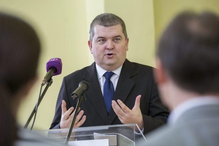 Újabb három évig finanszírozza a kormány a jelnyelvi tolmácsszolgálatok működését