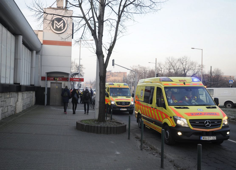 Tizenhárom utas szenvedett sérülést a Pillangó utcai megállónál