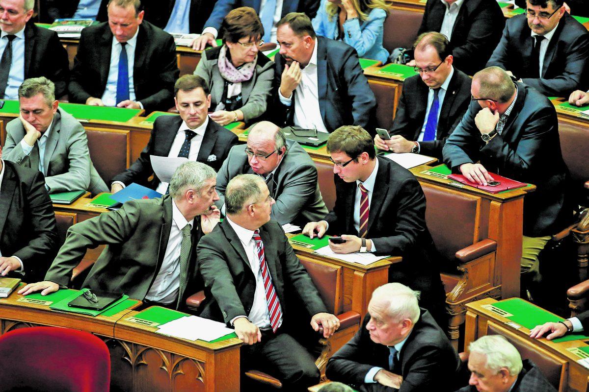 A korrupció elleni szigorú fellépésről döntött a Ház
