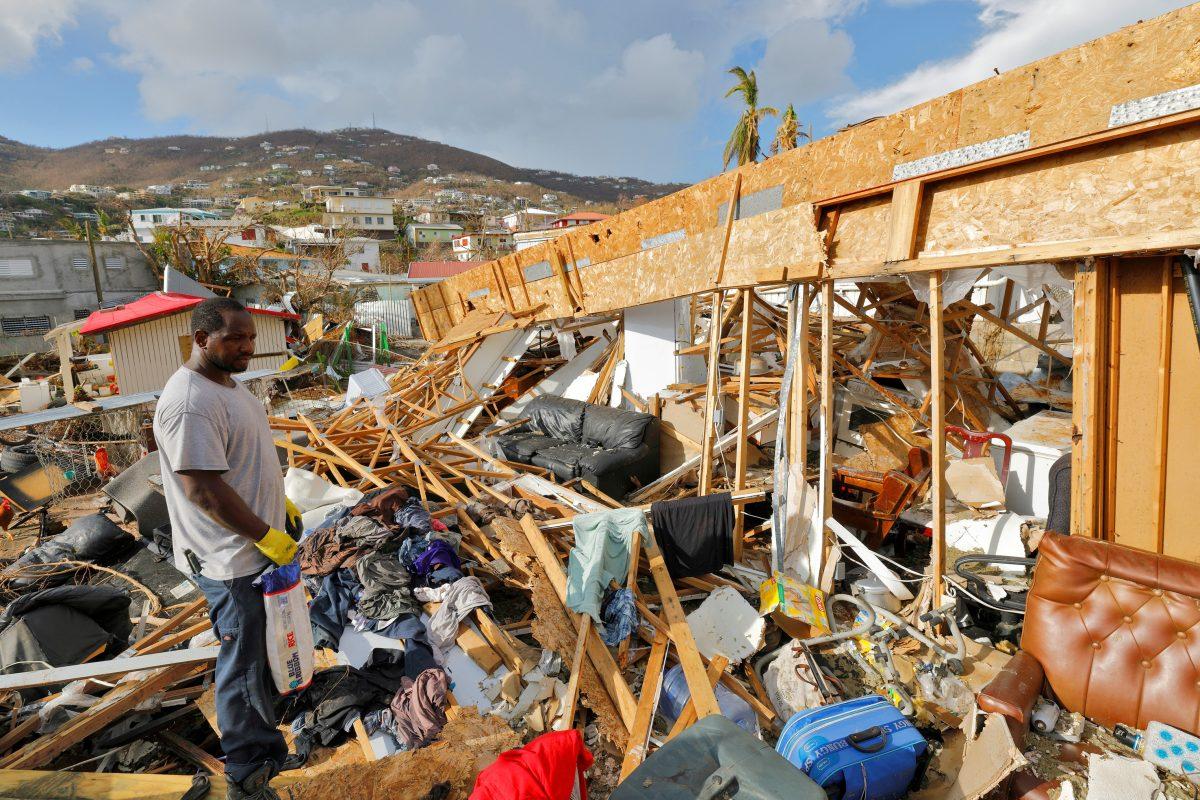 Hurrikánra várnak a Karib-térségben