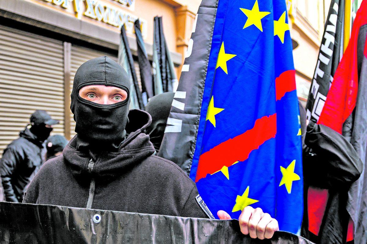 Ismét a magyarokat fenyegeti a szélsőséges Karpatszka Szics