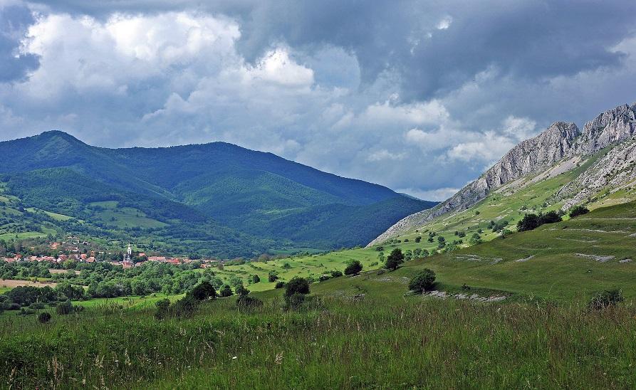 Ezer év Erdélyben, száz év Romániában