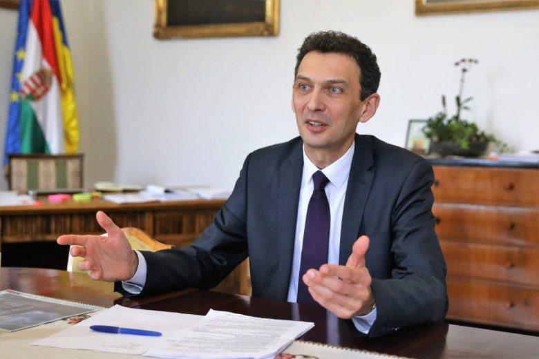 A Fidesz–KDNP jelöltje szerint a kormány támogatást ajánl, de a munkát senki nem végzi el helyettük