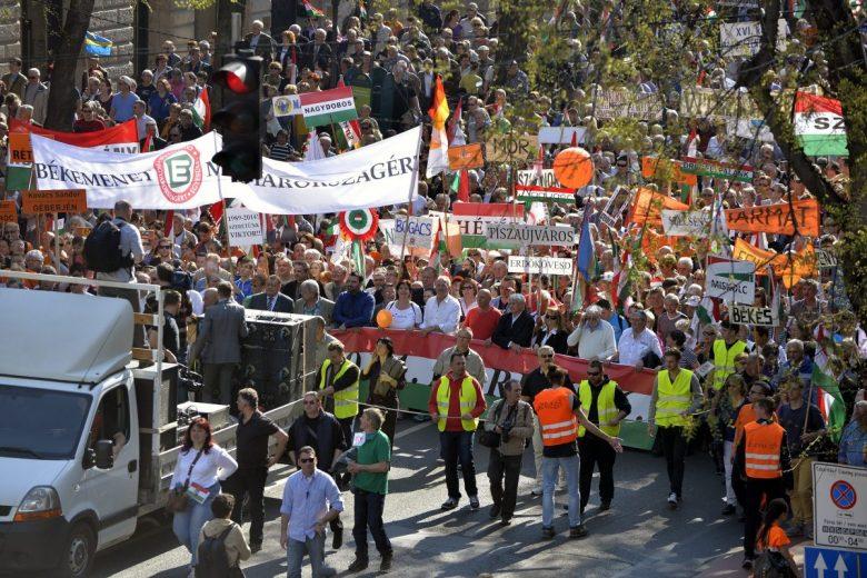 Csütörtökön Magyarország kifejezi a demokráciába vetett hitét