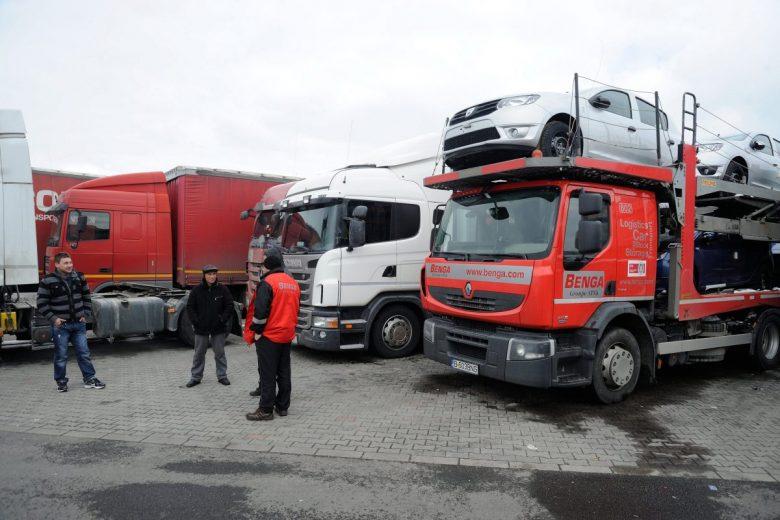 Kamionparkoló: az EU szerint szállodában kell tölteniük az éjszakákat a sofőröknek