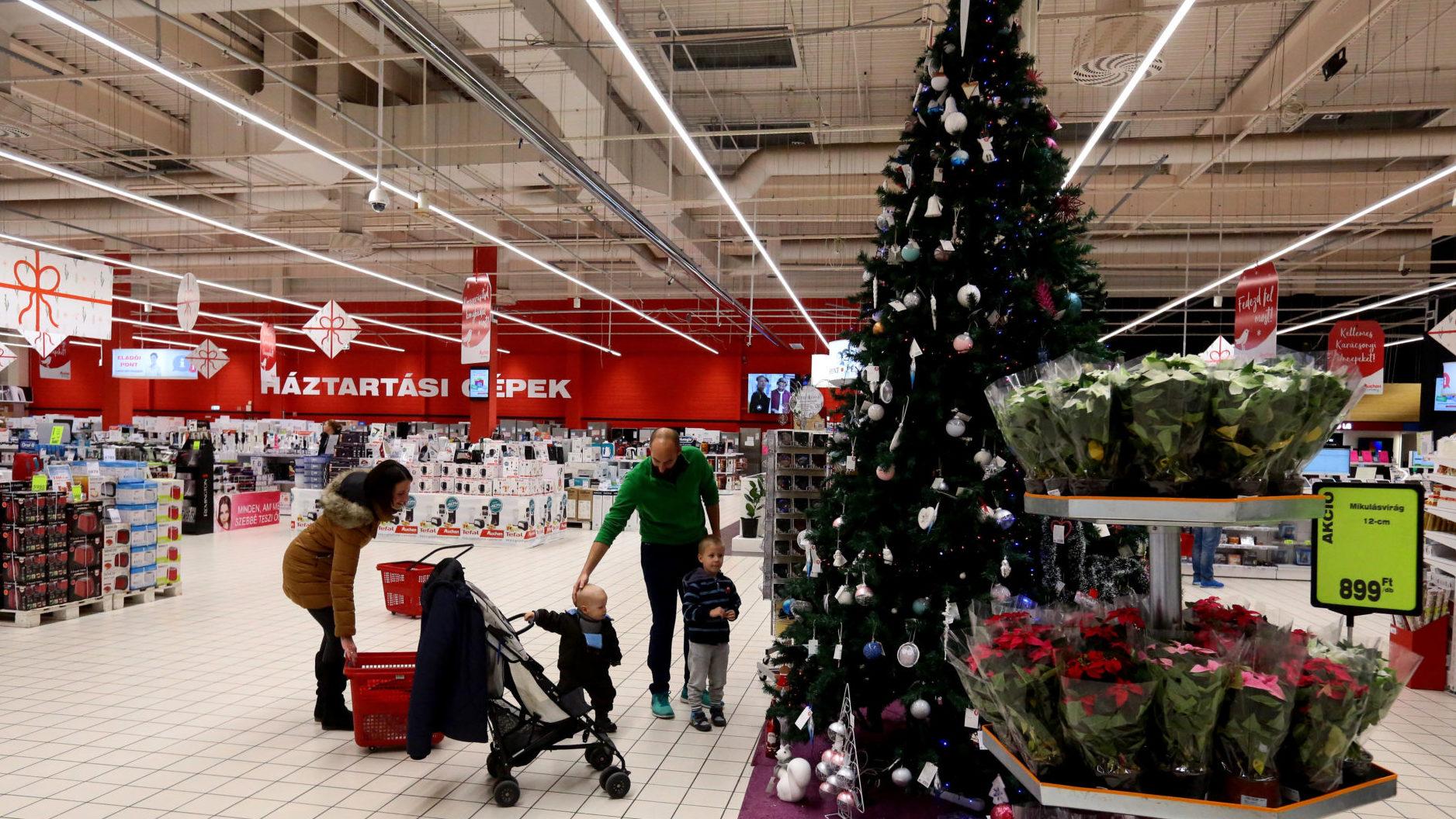 Már most készülnek a kereskedők az év végi ünnepi időszakra  2f1b2a0327